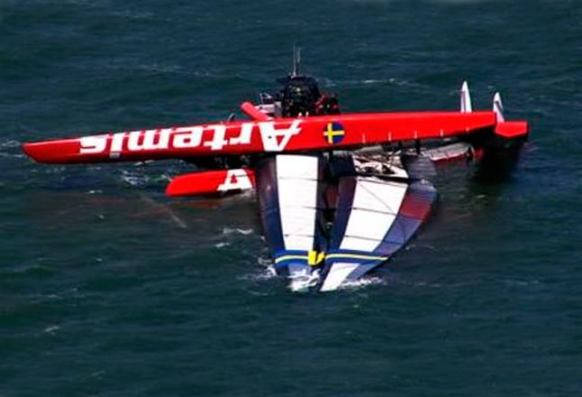 El británico Andrew Simpson muere tras zozobrar el catamarán AC72 Artemis en San Francisco