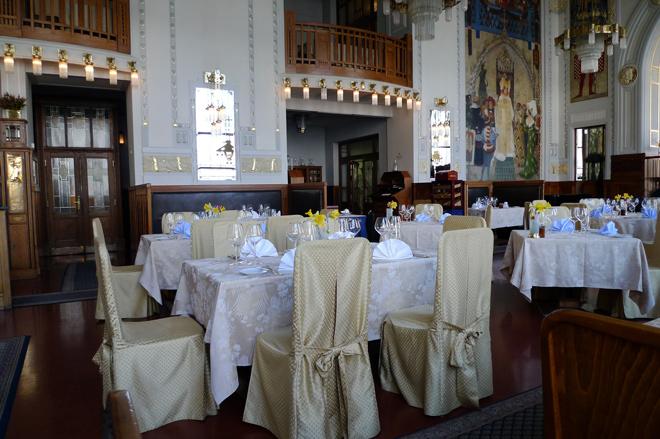 Francouzská Restaurace, Praga. República Checa. Comer en un entorno majestuoso