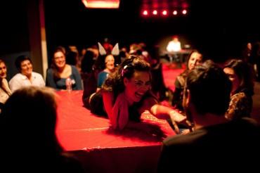 'Menú DegustoAcción', el cabaret agroerótico de Francachela Teatre para el Encuentro Internacional del Vino de Benlloch
