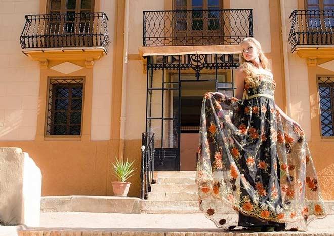 El Pago Vera de Estenas une vinos y moda en su alfombra roja www.globalstylus.com www.stylusvinum.com