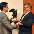 Dominio de Pingus, de Peter Sisseck, recibe el premio 'Terroir'. www.globalstylus.com www.stylusvinum.com