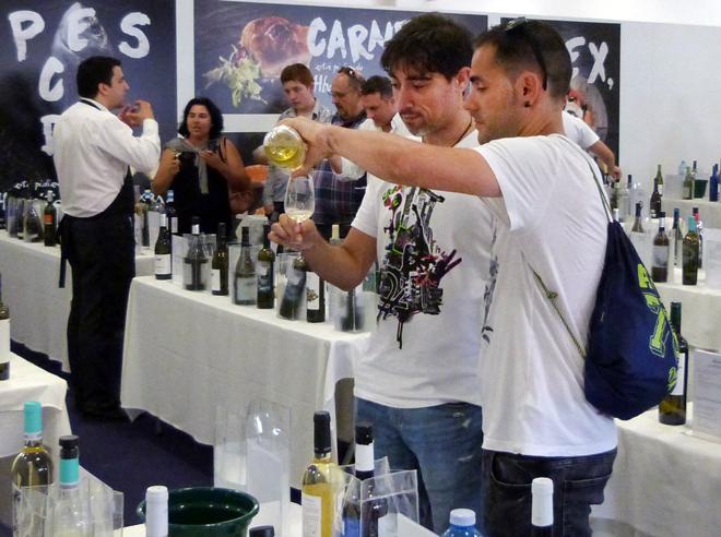 El Túnel del Vino de Cambados recibe más de 500 asistentes
