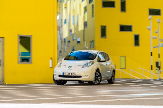 El Nuevo Nissan LEAF mejora las prestaciones con la nueva batería de 30 kWh y una autonomía de 250 km
