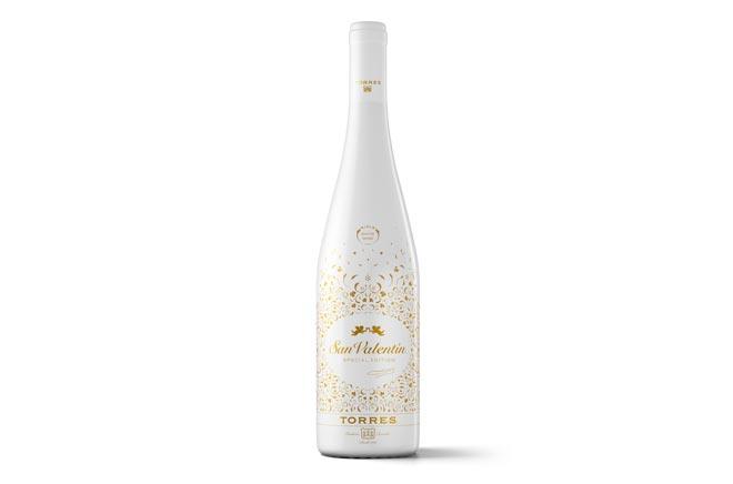 San Valentín, el vino más romántico de Bodegas Torres, se viste de blanco para el Día de los Enamorados