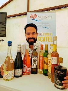 VINOBLE cata los dulces de Moscatel de la DOP Valencia con Bruno Murciano