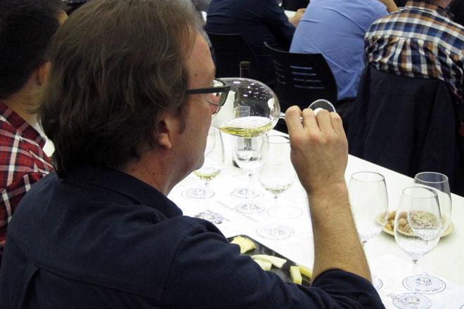Los sumilleres valencianos entregan los 'Distinguidos Utiel-Requena' en Gastrónoma
