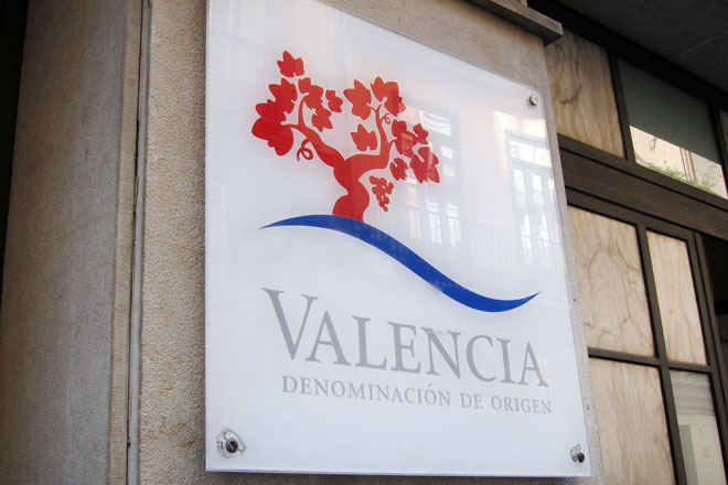 La DO Valencia analiza aspectos clave del sector del vino