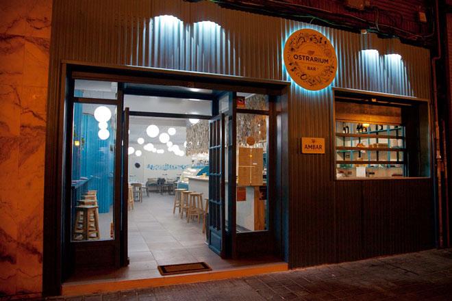 Aprender a disfrutar de las ostras, Ostrarium Bar, Valencia