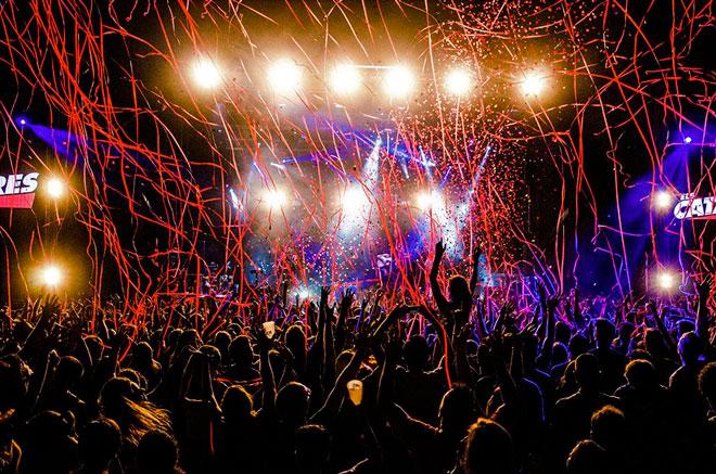 Feslloch, el festival de música en valenciano, anima el verano