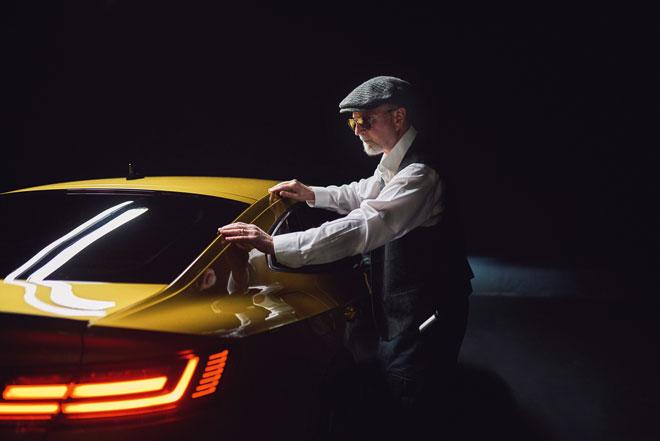 El fotógrafo ciego Pete Eckert presenta el nuevo Volkswagen Arteon