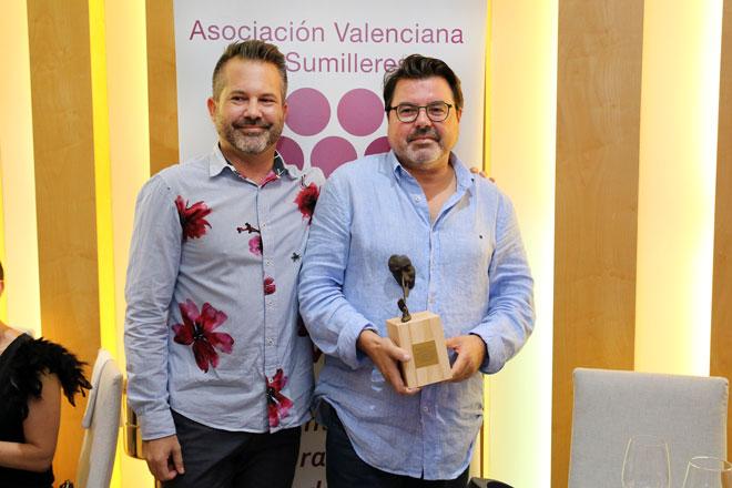 La Asociación Valenciana de Sumilleres homenajea al bodeguero Rodolfo Valiente (Vegalfaro) y a Terres dels Alforins en su gala de inicio de curso, junto a los premios Distinguidos Cava