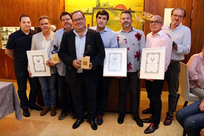 La Asociación Valenciana de Sumilleres homenajea al bodeguero Rodolfo Valiente (Vegalfaro) y a Terres dels Alforins en su gala de inicio de curso y entrega los premios Distinguidos Cava 2017