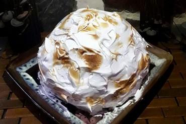 Baked Alaska, tarta de helado y merengue flambeado para entrar en el otoño