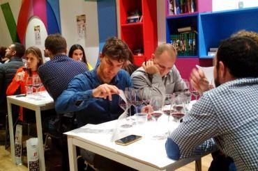 Todo preparado para el concurso para aficionados al vino MASQCATAS