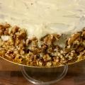 Tarta de zanahoria y nueces con cobertura de crema de queso
