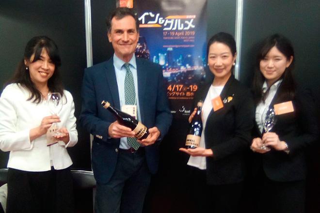 Félix Martínez Roda presenta los vinos de Vera de Estenas al mercado japonés en Tokio