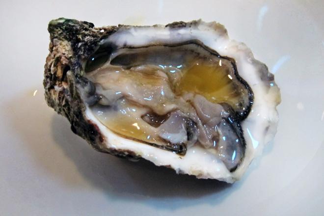 ostra Especial del Ebro con escabeche en Ostrarium Bar