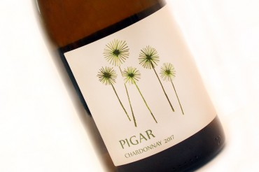 Chardonnay, Back to Black. Bodegas Pigar