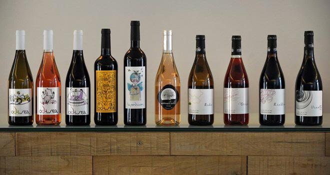 La Cooperativa de Viver presenta los vinos de La Piel de la Vid y de Di Vinos y Viñas, los dos proyectos enológicos que desarrolla esta sociedad castellonense en la comarca del Alto Palancia