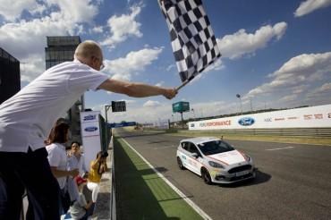Fundación Elena Barraquer campeona en las XV 24 Horas Ford