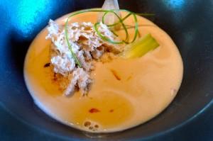 Sopa de cebolla concentrada con nueces de Crespià