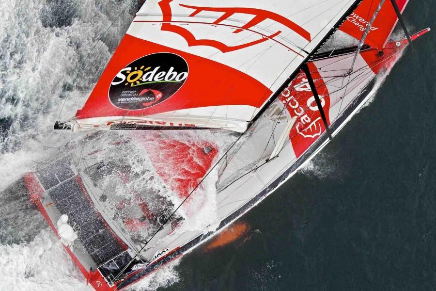 Acciona, en el grupo de cabeza con viento para dar y tomar, Vendée Globe 12-13