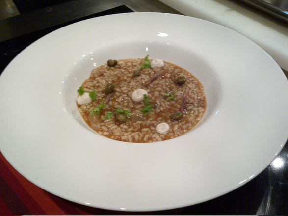 Ricard Camarena cocina 'El arroz de las Estrellas' con Bodegas Vegalfaro. Valencia