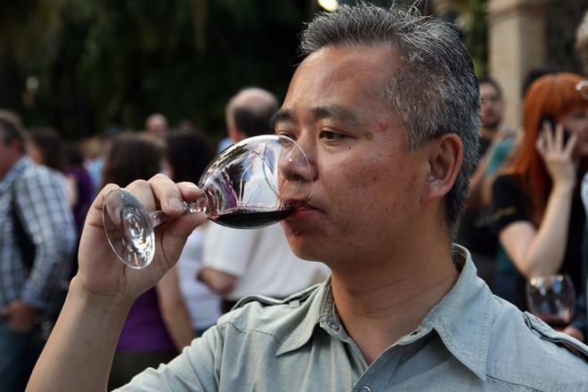 El acuerdo con los paneles solares da esperanzas al vino europeo en China