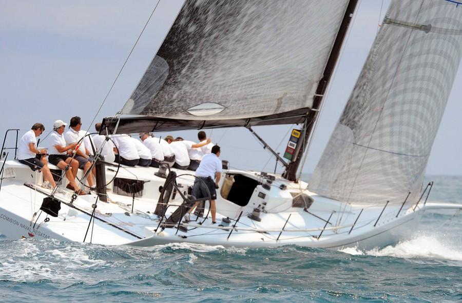 Máxima rivalidad en la Clase Crucero, Trofeo de SM La Reina, Valencia