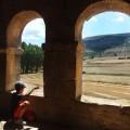 Un niño romano vigilando el paisaje