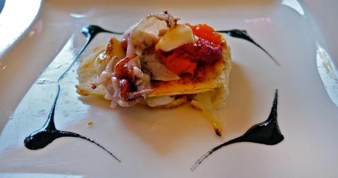 bocadillo de sepia con tomate y all-i-oli tostado