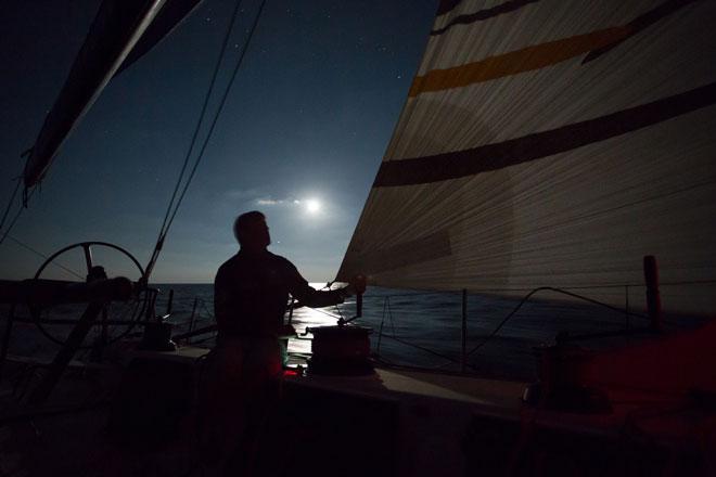 Maniobras en la oscuridad en la 3ª etapa de la Volvo Ocean Race