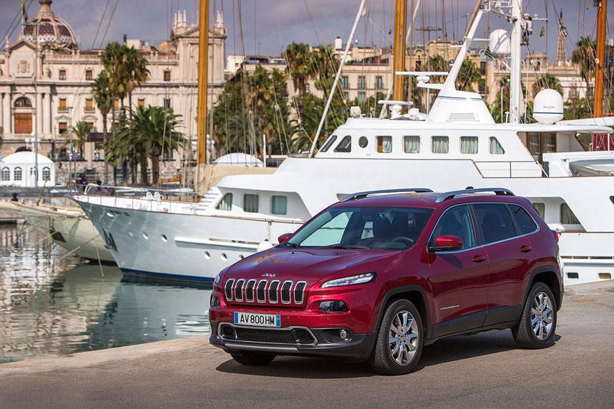 El Jeep Cherokee afronta 2015 con nuevas ofertas y mejor equipamiento, StylusCars, www.globalstylus.com