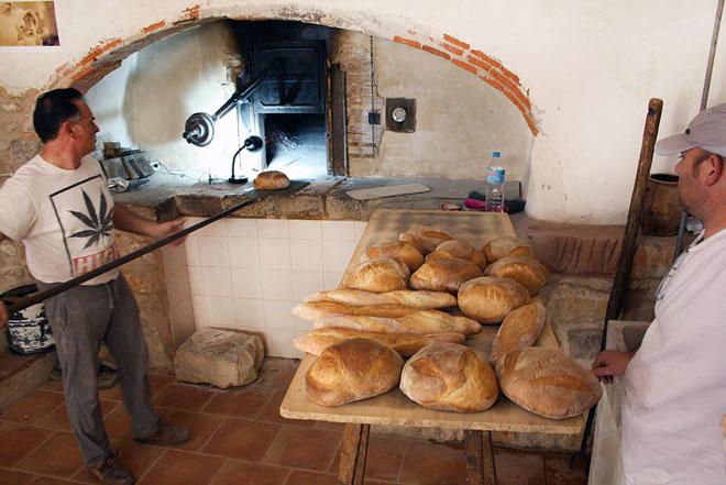 La 'Mostra de Vins i Productes de la Terra' reivindica el valor de la economía rural en Benlloch, www.globalstylus.com