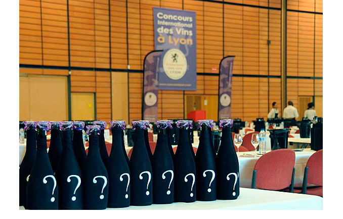 BRESSOL BOBAL premio en Lyon, Bodegas Sánchez Zahonero