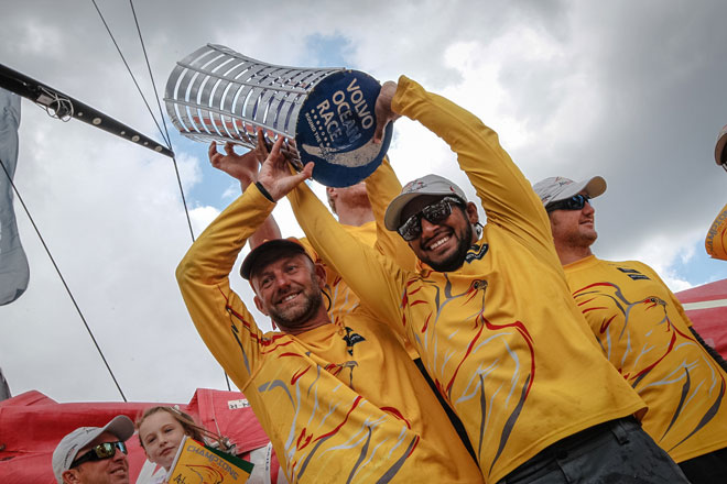 Abu Dhabi Ocean Racing gana la Volvo Ocean Race con Roberto Bermúdez abordo