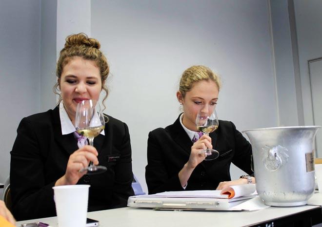 La Escuela de Hostelería Ferrandi examina los vinos de Rías Baixas en París