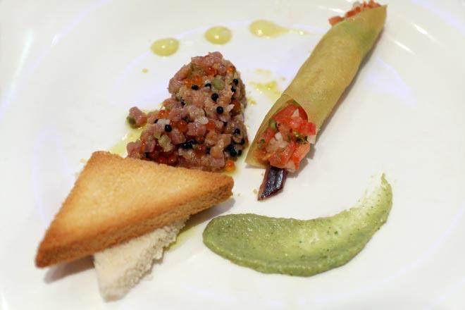 Albariños de Altos de Torona y Mencías de Regina Viarum en Restaurant Pelegrí, Valencia