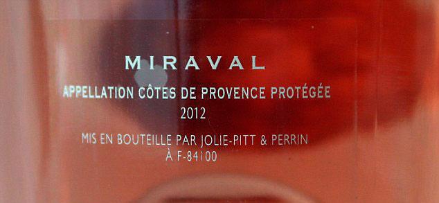 Angelina Jolie y Brad Pitt ponen a la venta el Château Miraval y sus viñedos
