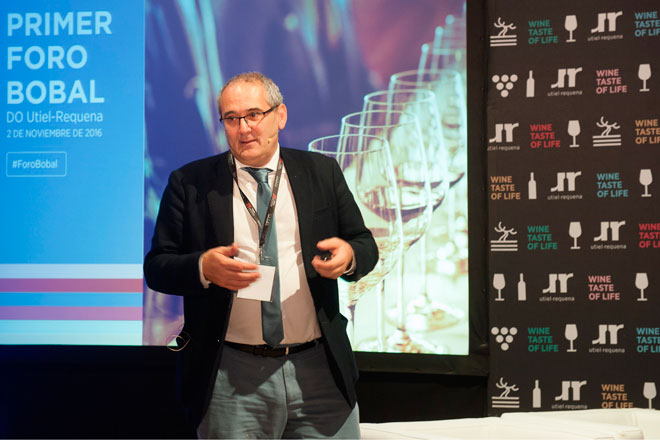 Pedro Ballesteros destaca el estilo único de la Bobal en Utiel-Requena, Master of Wine, Foro Bobal