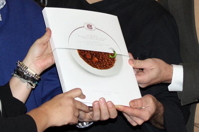 Cachetero y Montecillo publican '100 años de cocina tradicional riojana'