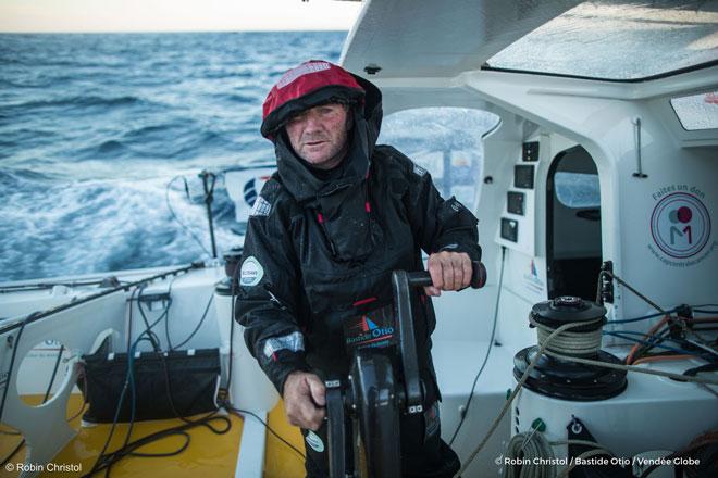 Kito de Pavant a la deriva en el sur del Índico tras chocar con un objeto flotante en la Vendée Globe