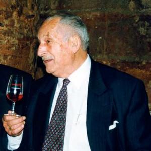 Vera de Estenas conmemora el centenario de Francisco Martínez Bermell, fundador de la bodega