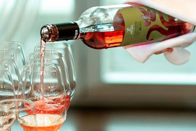 La DOCa Rioja selecciona en cata ciega sus vinos institucionales