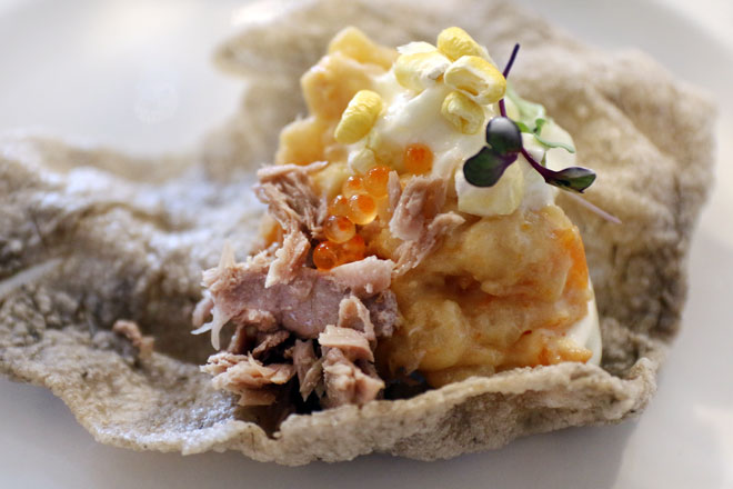 La Curiosidad de Mauro Barreiro en la Muestra Culinaria del Atún en Isla Cristina