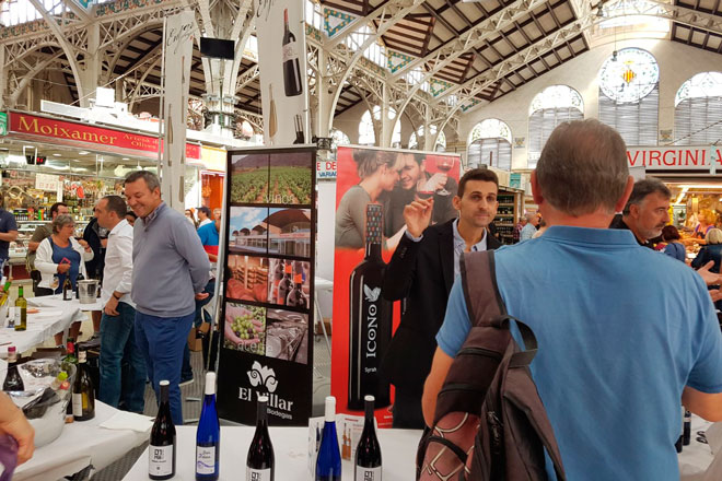 La DO Valencia brinda con sus vinos en el Mercat Central