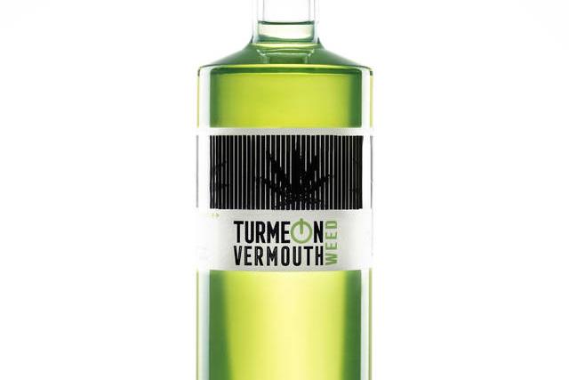 Los aficionados al cáñamo ya tienen su aperitivo, TurnMeOn Vermouth Weed
