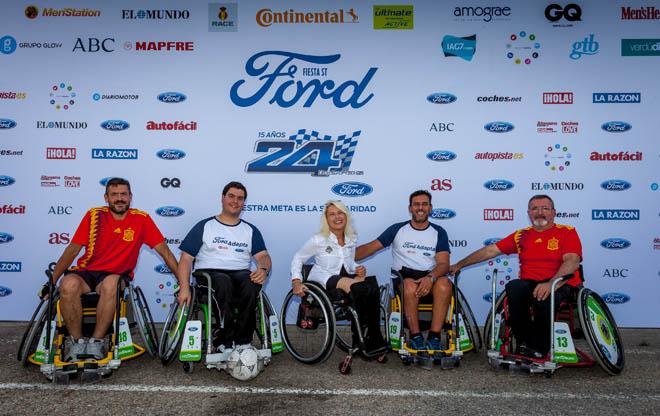 Los Ford Fiesta ST arrancan en las 24 Horas solidarias, Los 12 Ford Fiesta ST han tomado la salida en el madrileño circuito del Jarama donde los equipos de cada ONG compiten por las primeras posiciones. Un total de 120 personas, 10 por coche, se turnarán al volante durante las 24 Horas