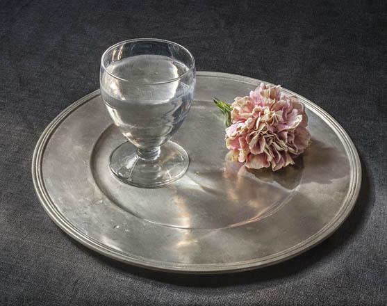 Copa de agua y un clavel, 2018 Pilar Pequeño © Fundación Amigos del Museo del Prado, Madrid, 2018