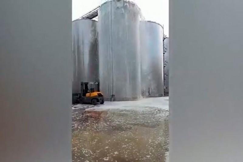 Así revienta un depósito de 30.000 litros de Prosecco en Italia